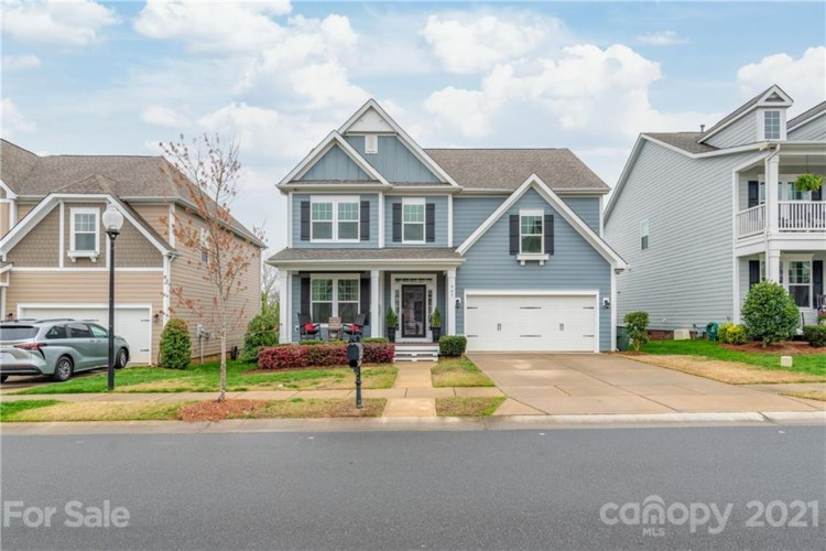 527 Lakeview Drive, McAdenville, NC 28101
