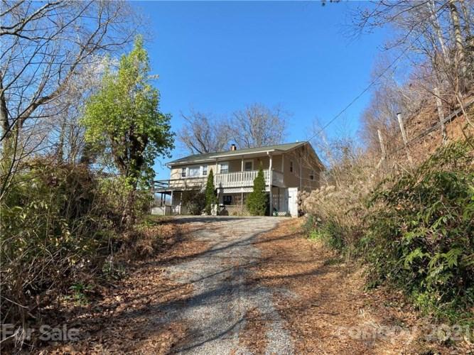 485 & 487 Hookers Gap Road, Candler, NC 28715