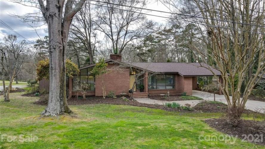 401 Pinecroft Lane, Spencer, NC 28159
