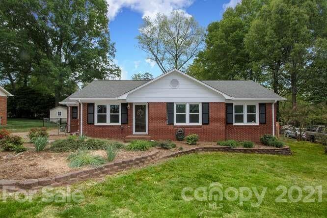 413 Newburg Lane, Matthews, NC 28105