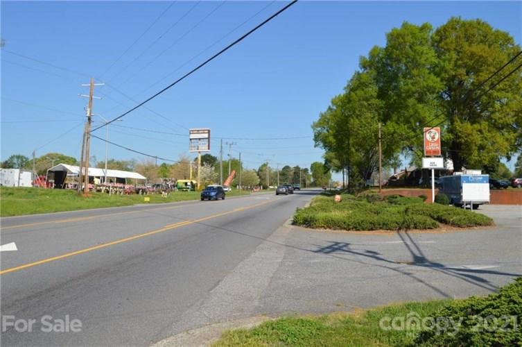 1405 Wilkesboro Highway, Statesville, NC 28625