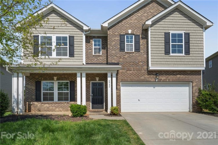 6942 Barefoot Forest Drive, Charlotte, NC 28269