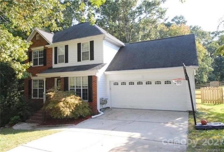 4327 Appaloosa Lane, Charlotte, NC 28215
