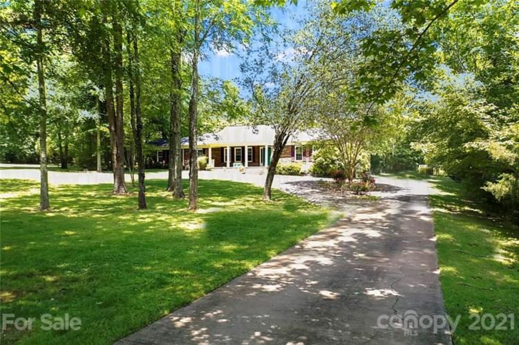 165 Falcon Drive, Concord, NC 28025
