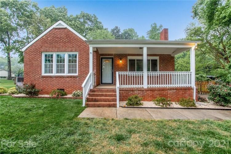 5608 Oak Drive, Charlotte, NC 28216