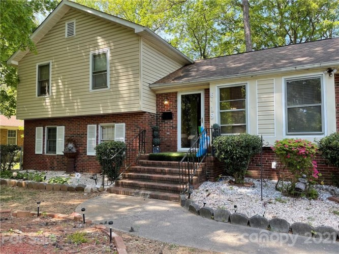 6219 Bridlewood Lane, Charlotte, NC 28215