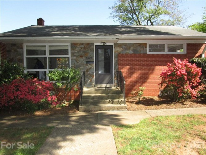 4527 Woodlark Lane, Charlotte, NC 28211