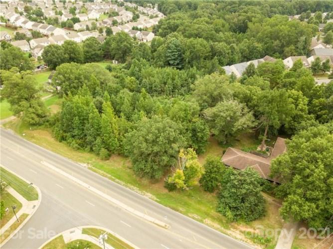 2101 Mckee Road, Matthews, NC 28105