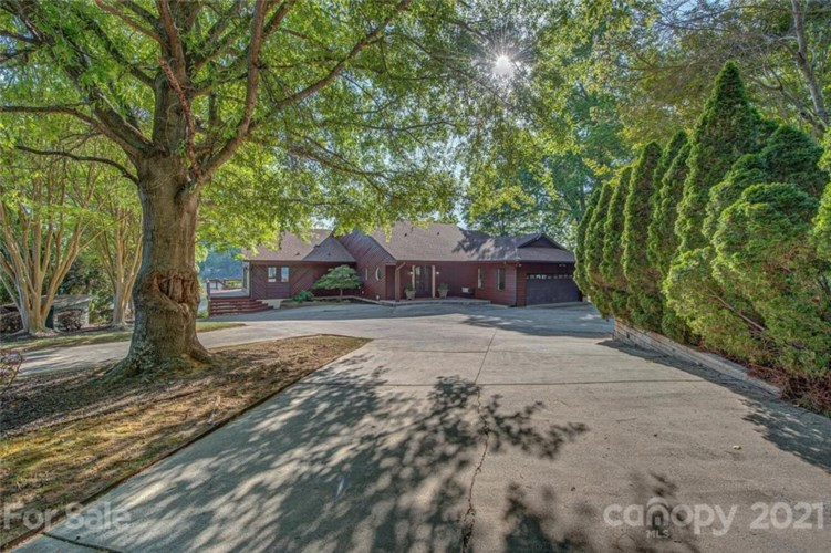 12601 Withers Cove Road, Charlotte, NC 28278