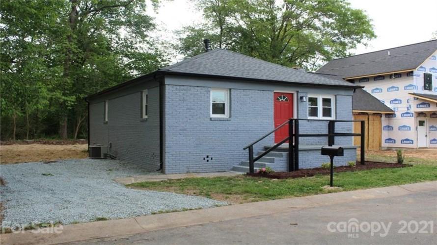 5505 Howard Street, Charlotte, NC 28269