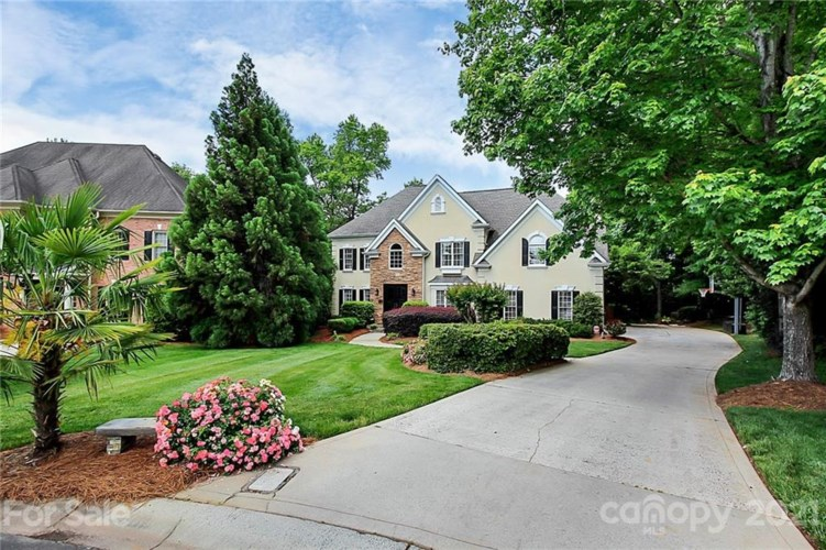 15623 Frohock Place, Charlotte, NC 28277