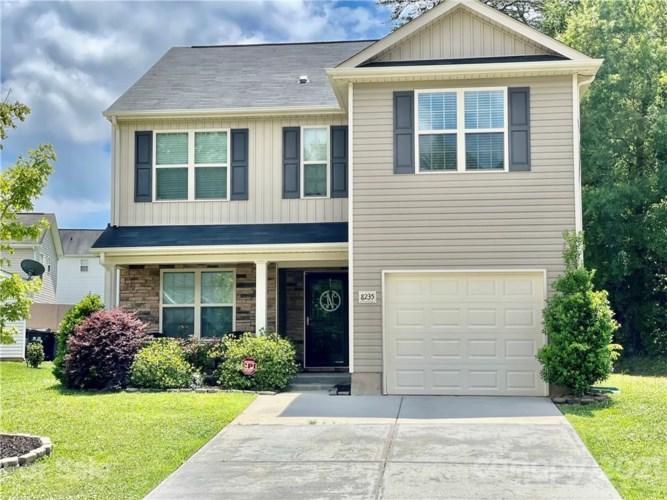 8235 Deodora Cedar Lane, Charlotte, NC 28215
