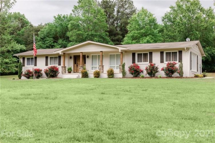 160 Country Club Drive, Troy, NC 27371