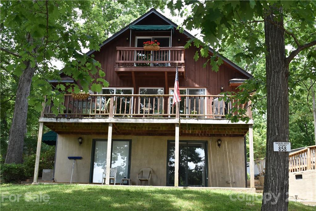 758 Shoreline Road, Badin Lake, NC 28127