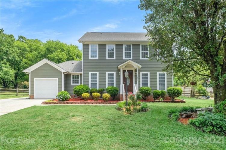 13608 Krislyn Woods Place, Charlotte, NC 28278