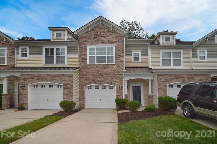 4609 Craigmoss Lane, Charlotte, NC 28278
