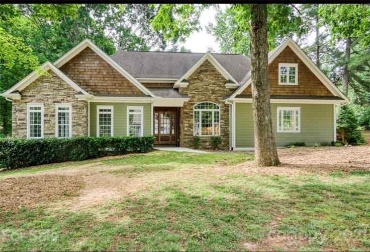 112 Fulton Farms Lane, Mooresville, NC 28117