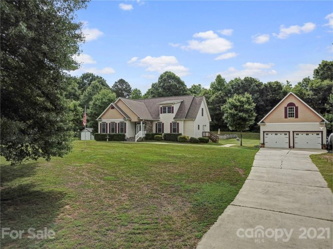 1021 Riddle Oak Lane, Clover, SC 29710