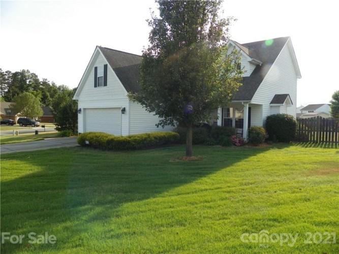 102 Newport Drive, Kannapolis, NC 28081