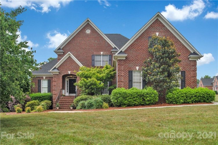 5046 Graystone Estates Drive, Belmont, NC 28012