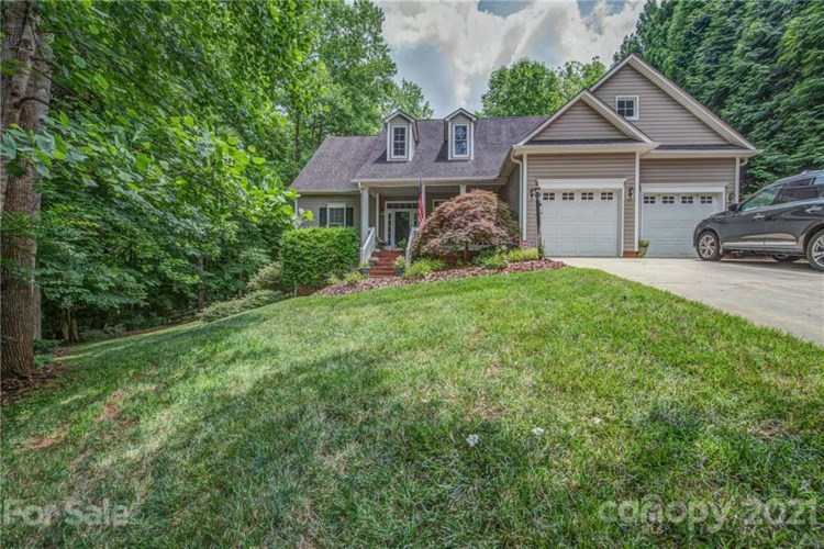 1029 Marguerite Drive, Lowell, NC 28098