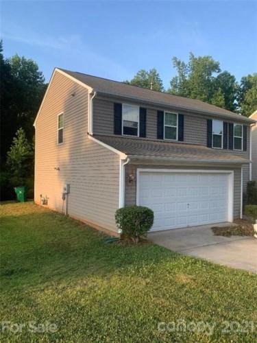 8236 Deodora Cedar Lane, Charlotte, NC 28215