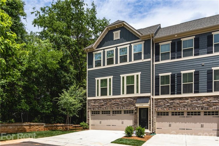 1736 Town Oak Lane, Charlotte, NC 28205