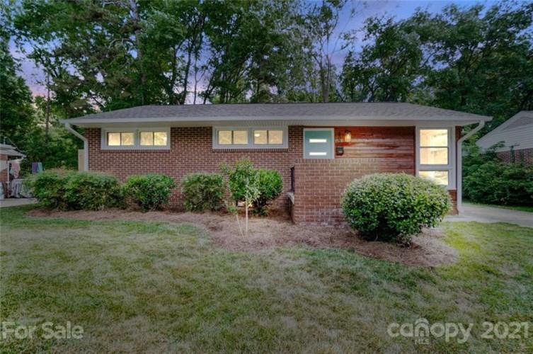 807 Lochridge Road, Charlotte, NC 28209