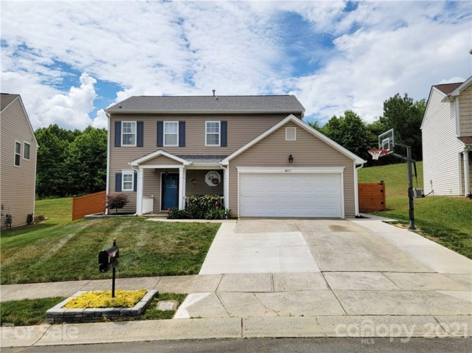 4037 Dover Downs Drive, Charlotte, NC 28216