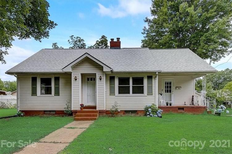 559 Englewood Street NE, Concord, NC 28025