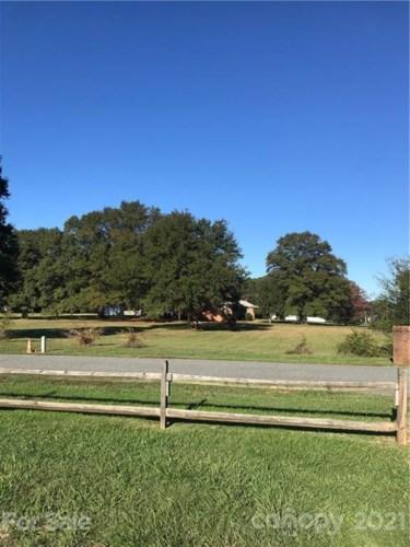 15900 Cramur Drive #16, Huntersville, NC 28078
