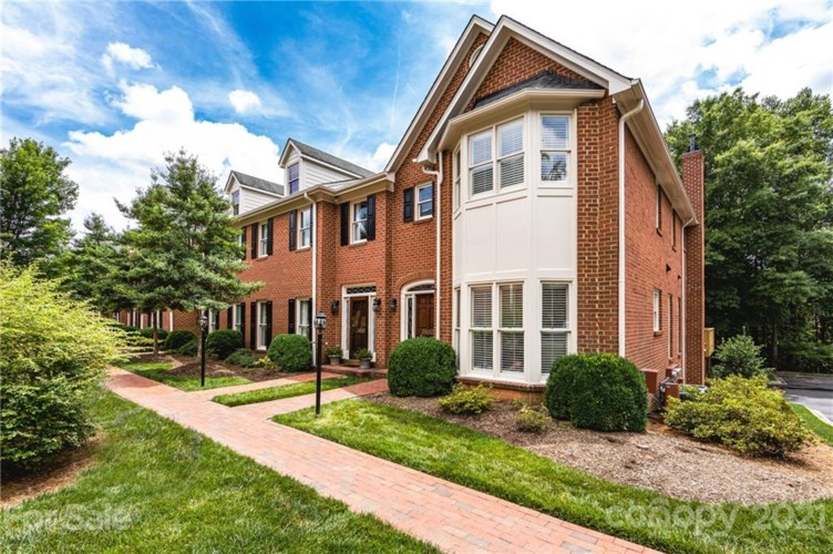3500 Kylemore Court, Charlotte, NC 28210