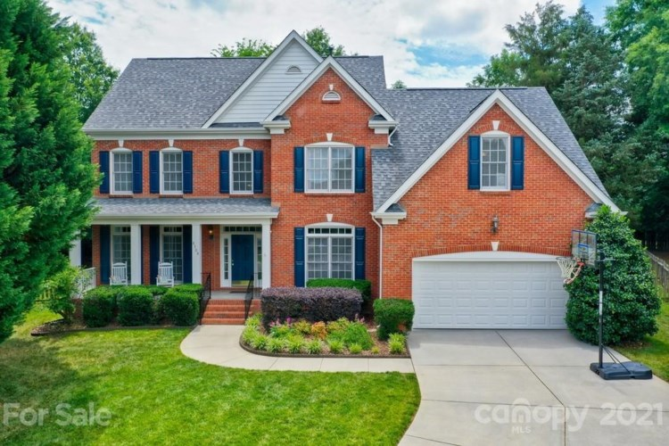 8108 Oxford Commons Drive, Charlotte, NC 28277