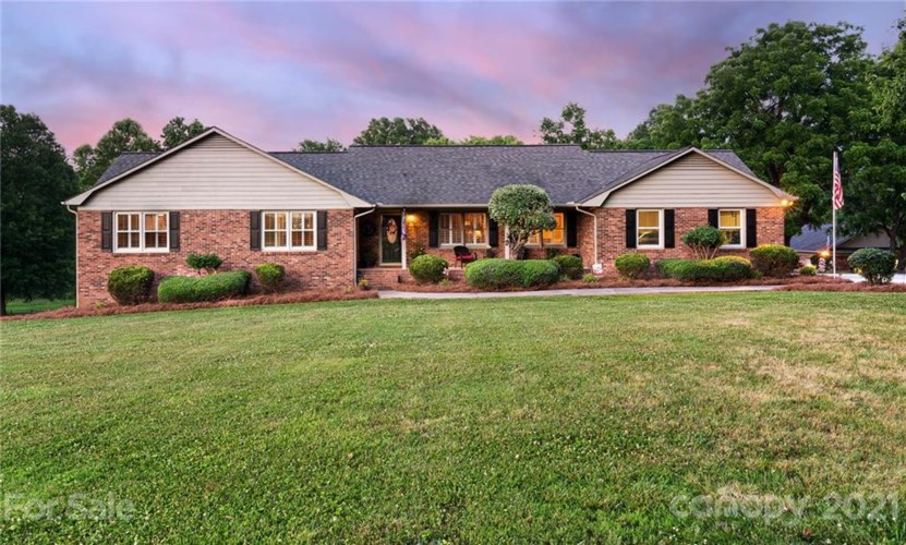651 Linwood Road, Mooresville, NC 28115