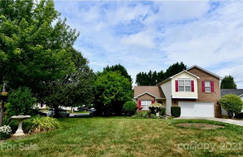 5844 Brookstone Drive NW, Concord, NC 28027