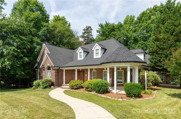 727 Pine Forest Road, Charlotte, NC 28214