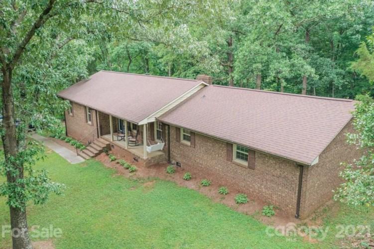 637 Devereaux Court NE, Concord, NC 28025