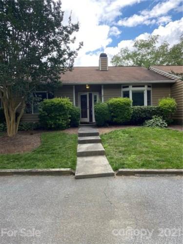 8321 Summerglen Circle, Charlotte, NC 28227