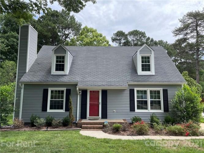 13417 Four Oaks Lane, Matthews, NC 28105