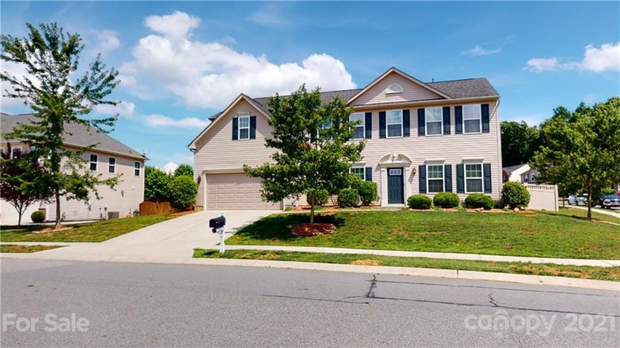 13104 Red Vulcan Court, Charlotte, NC 28213