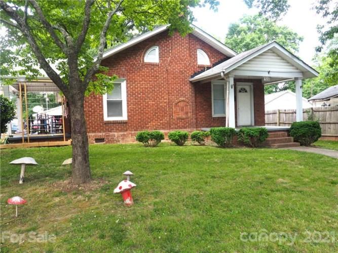 520-522 Hyde Park Drive NE, Concord, NC 28025