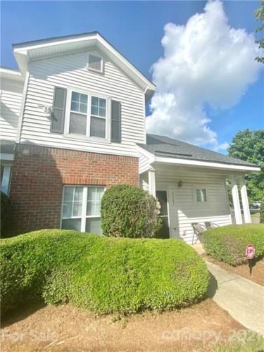 6369 Mallard View Lane, Charlotte, NC 28269
