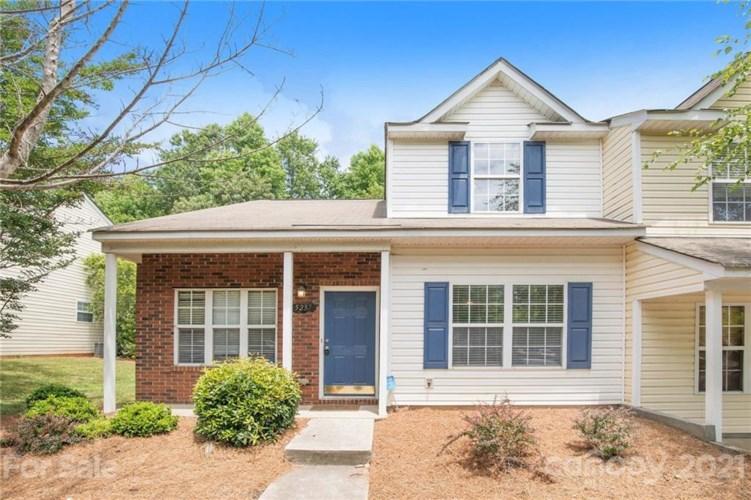 5237 Ficus Tree Lane, Charlotte, NC 28215