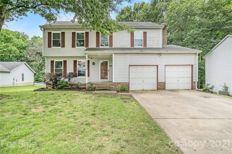 1913 Winsted Court, Charlotte, NC 28262