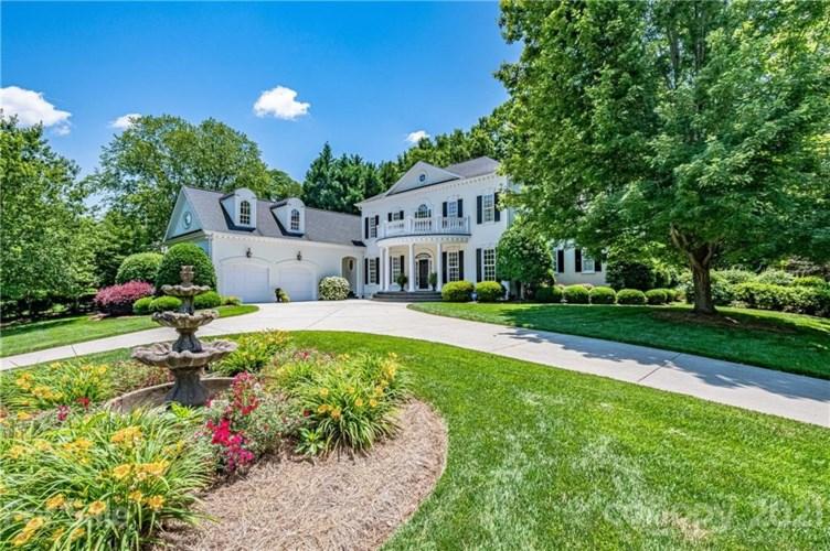 11335 Mcclure Manor Drive, Charlotte, NC 28277