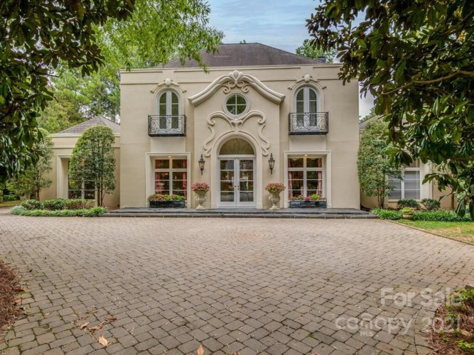 7216 Country View Court, Charlotte, NC 28211
