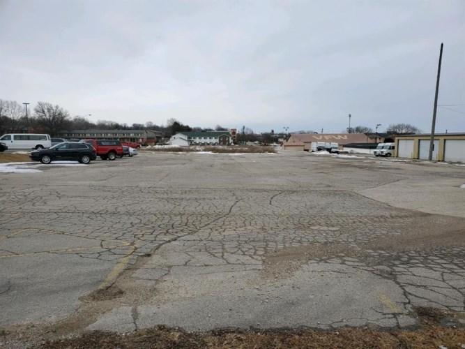 3233 6th Street SW, Cedar Rapids, IA 52404