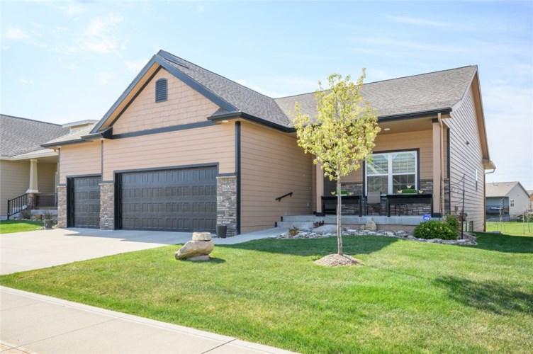 422 NE Brookridge Circle, Waukee, IA 50263