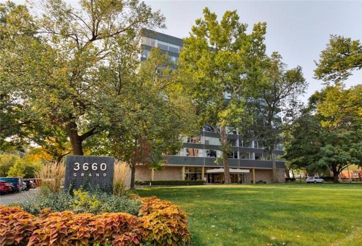 3660 Grand Avenue  #540, Des Moines, IA 50312