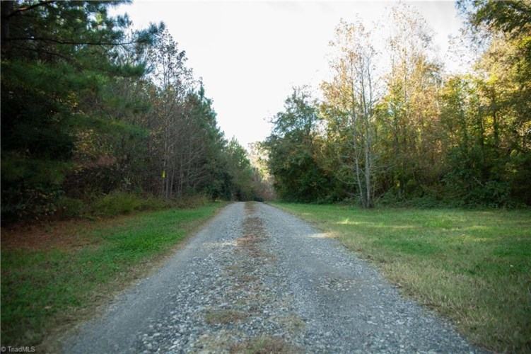 1404 Shelby Highway, Cherryville, NC 28021